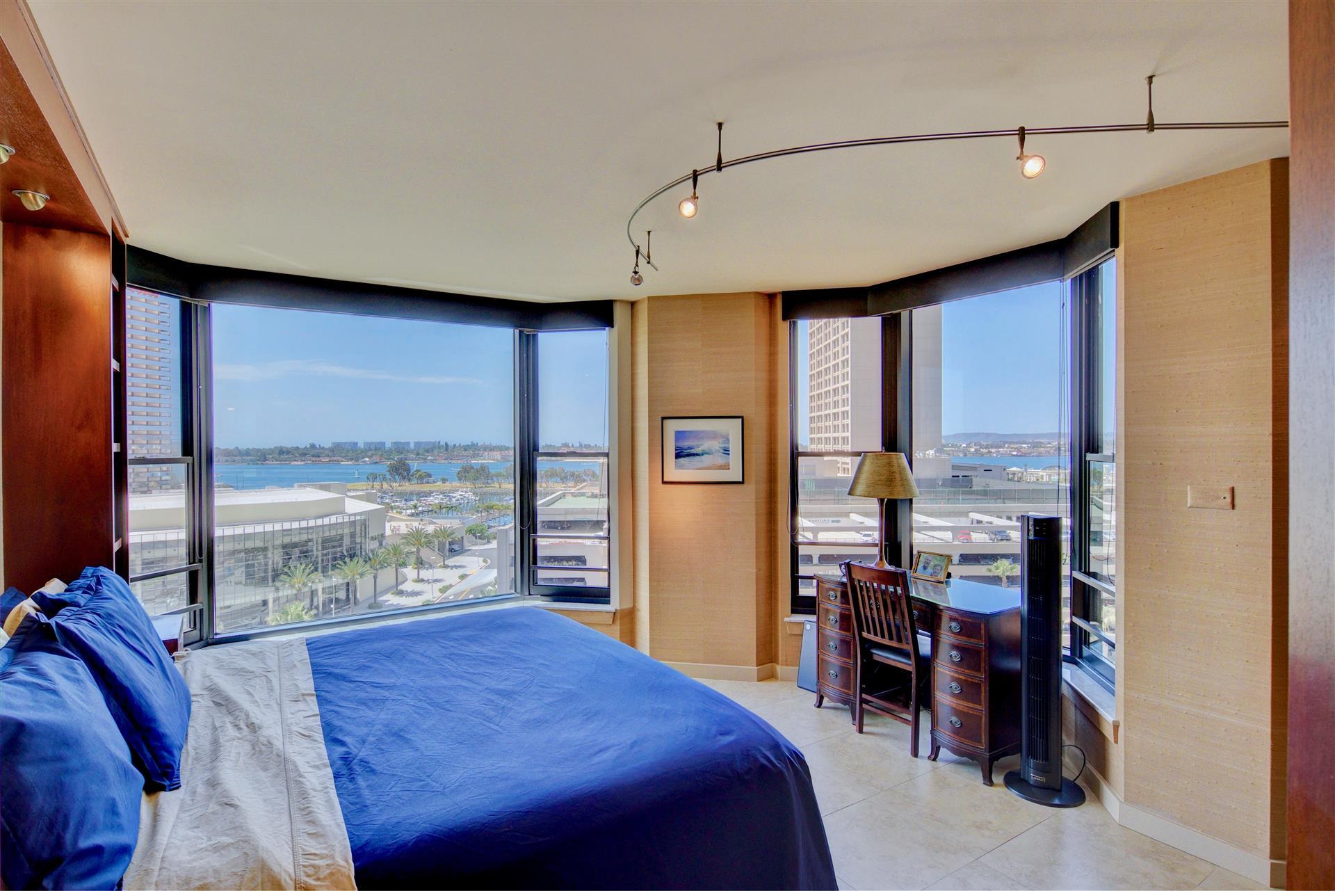 10Master Bedroom-9