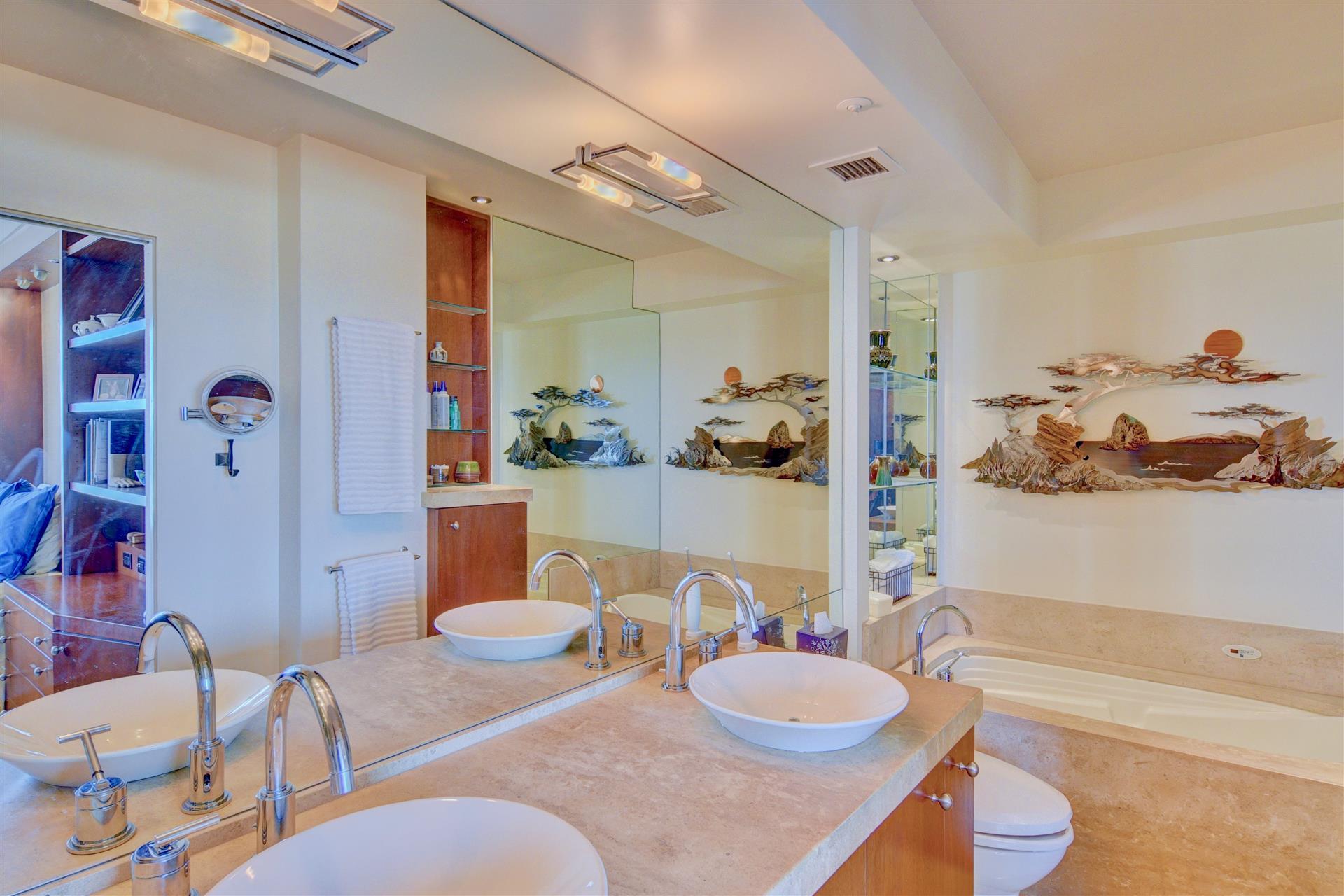 11Master Bathroom-10