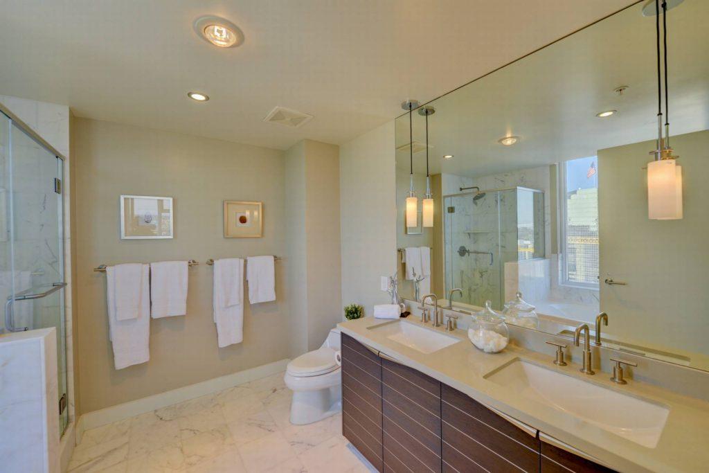 11Master Bathroom-11