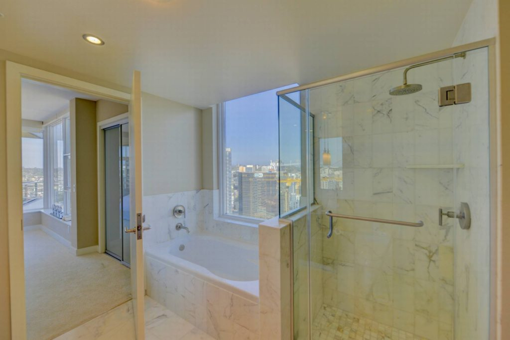 12Master Bathroom-12
