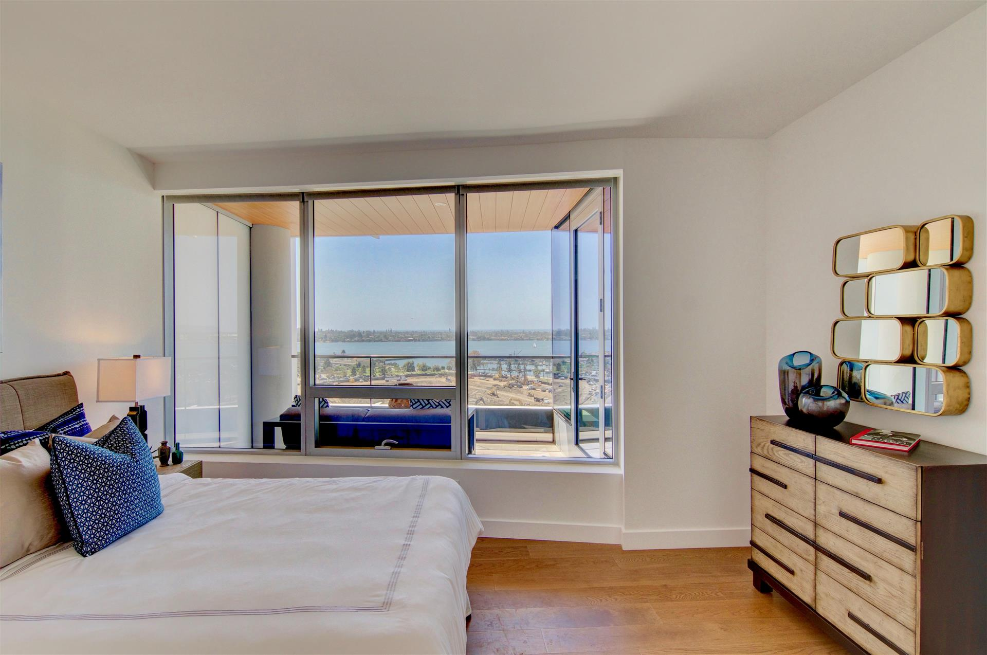 Bedroom 2 Pacific Gate 1402