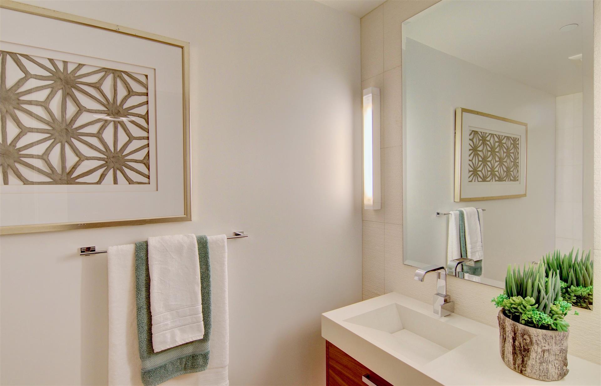 Bathroom 3 Pacific Gate 1402