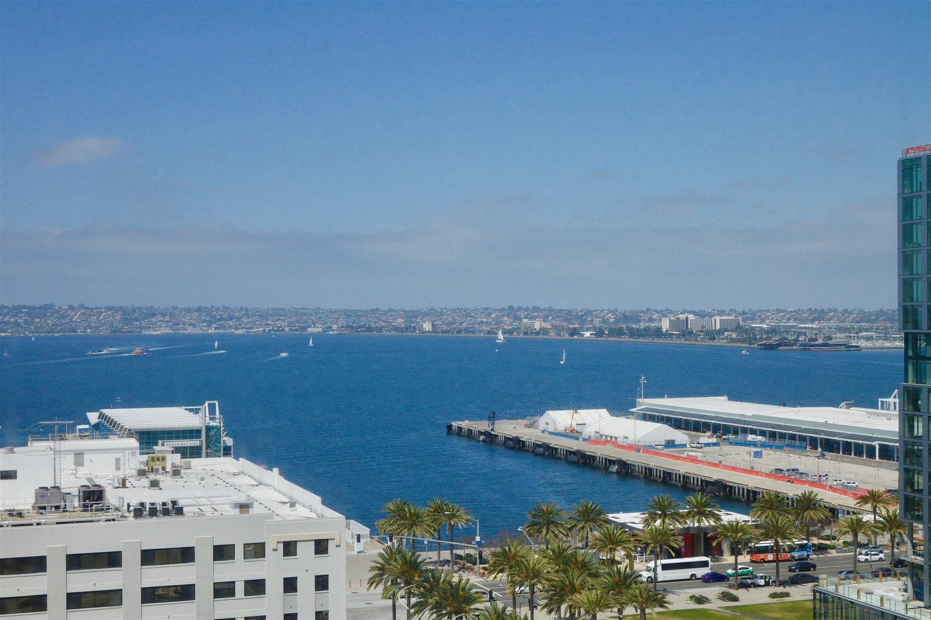 Views Pacific Gate 1402