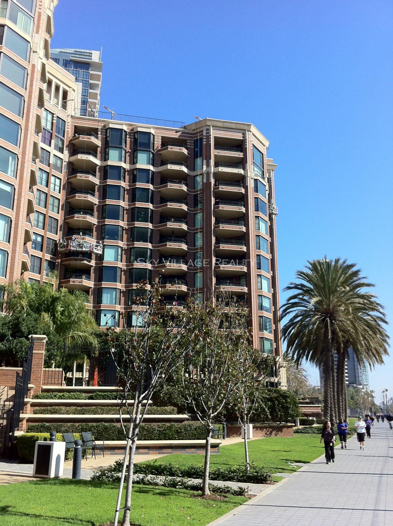 Cityfront Terrace Luxury Condos